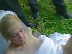 Braut Fick in den öffentlichen nach der Hochzeit