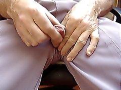più sperma in mutandine grigio grandma