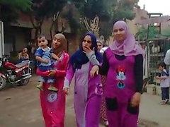 Hijab filles avec de gros culs