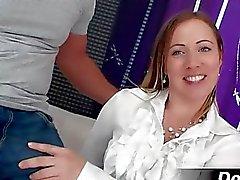 Секси и красивой женой Bibi трахается