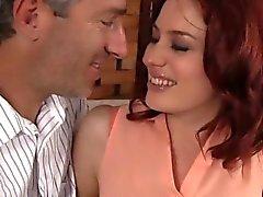 Jessica Ryan sedotto dal suo capo Ed Allora scopata duro