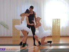Sala de fitness Petite ballet teachers secret threesome