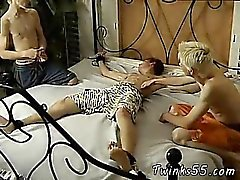 Miespuolinen video on treenaamisen alastonkuva Gay Tickle For Evan