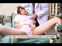 Akiho Yoshizawa Reizvolles asiatisches Schwester genießt Hänseleien Sie den Arzt