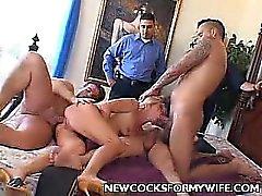 Dona de casa córnea do Threesome do sexo
