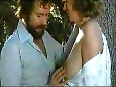 Vintage hardcore Italian classic with curvy chicks getting hammered