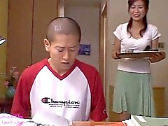 maman japonaise Risa Sakamoto et Step Son 2 (MrBonham)