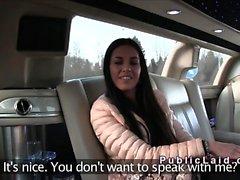 Euro bruna amatoriale sbattuto nella limousine