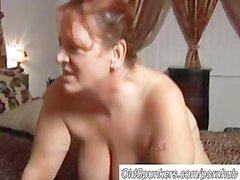 Bella Gordas madura goza de de una gran Eyaculacion Facial de edad