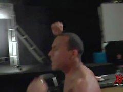 brutta bear contro il jobber muscoli