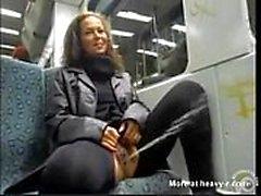 Pinkeln in der Öffentlichkeit Zug