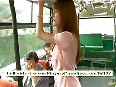 A Rio asiatico babe teen farsi limare la figa pelose accarezzò sul bus