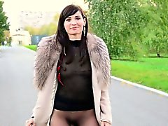 Jeny Smith pubblici pantyhose lampeggiare.