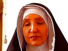 Suore Perversidade no un convento di Apertura