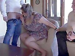 Maduro french Julia gangbanged em meias