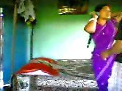Intian Bengalin seksityöntekijänä 100percent seksiä asiakkaan