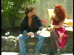 SEXIG MOM N113 rödhårig hårig mogen med en yong man