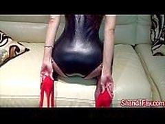 Kinky kanadensisk MILF knullas & hennes fötter slickad !