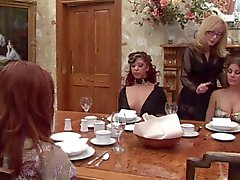 Nina Hartley en de slaven