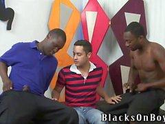 blacks condividono un divertente tizio contento