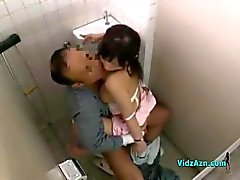 Nurse With Hairy Pussy Rouler sur Cock patient dans la toilette