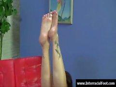 Foot fetish - babes sexy di cock cazzo coi loro piedi 28