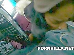 Канадского Индийская Орал в автомобиле