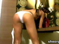 Exotic tranny Leticia Freitas masturbating