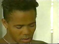 Gay Musta Kuntosali