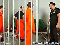 bisexual prison guard gets hard from the inmates