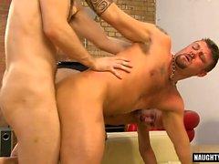 Big Cock gay sexe oral et éjaculation