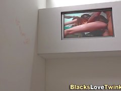 Teen jizzed by black rod