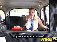 Fake Taxi Enfermera en ropa interior sexy tiene sexo coche