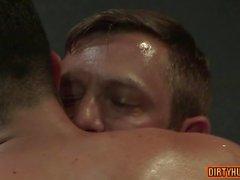 Muskel Bär Blowjob mit Gesichtsbesamung Film