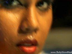 Bollywood için çıplak Gönderen Temizleyici Ritüel
