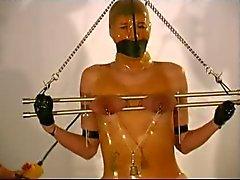 rubber bondage en laarzen