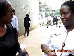 Мыльным черные Babes от Африка желали делать друг другу сперма