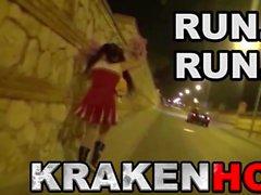 Krakenot - Maduras provocativa en el video al aire libre voyeur