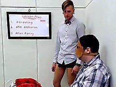 Cornea ragazza ha proposto di manicomio anale per la terapia aspro