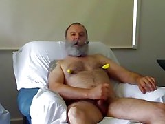 Sopportare fumare papà e masturba