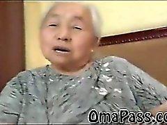BBW old Japanin ja Kor mummo fucking