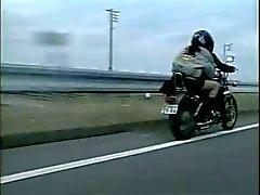 Лицам нетрадиционной Азиатская Порно: Мотоциклисты английском Rev девушки вверх !