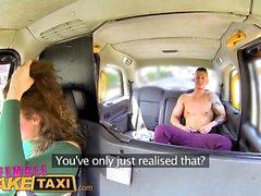 Женщина Поддельный такси Sexy мужчина стриптизерша кончает в рот водителей