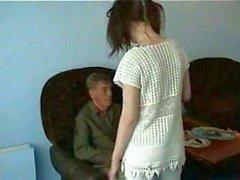 Del abuelo Follar joven de mucama