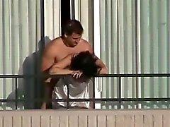 un balcon sexe