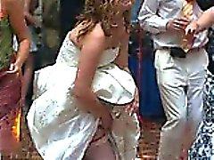 Reella varma till Brides Upskirts !