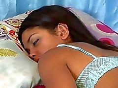 Lesbian rubia desnuda amante cabello oscuro tiempo los shes durmiendo