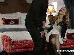 Belle Claire toma un Creampie en una mansión ...