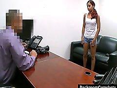 De Amatuer follando muchacha en oficinas tras bambalinas