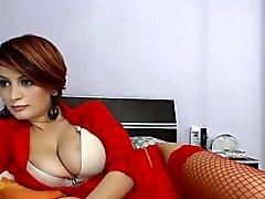 seksi kırmızı iç çamaşırı duyumsal güzelliği onu mükemmel kapalı gösterir